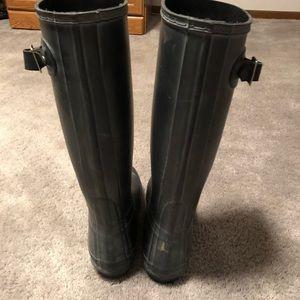 Matte black Hunter rain boots